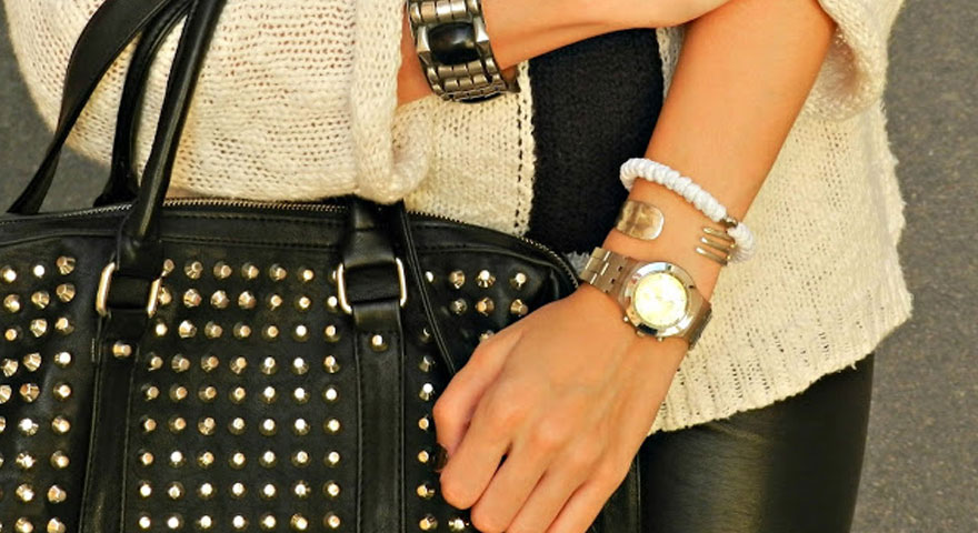 Cris And Crosses | White Prayer Bracelet Feature