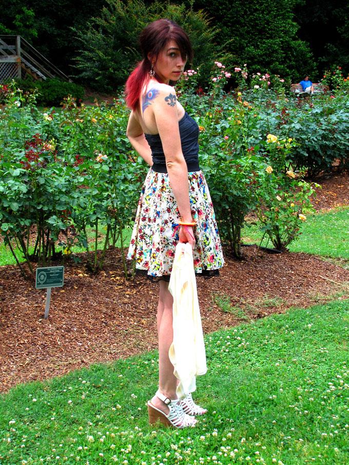 Alexandra Rose Orange Brojanica Feature