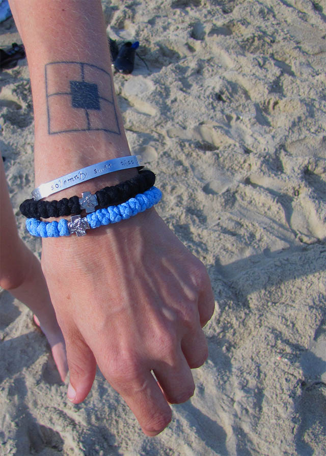 Alexandra Rose Beach light blue prayer rope
