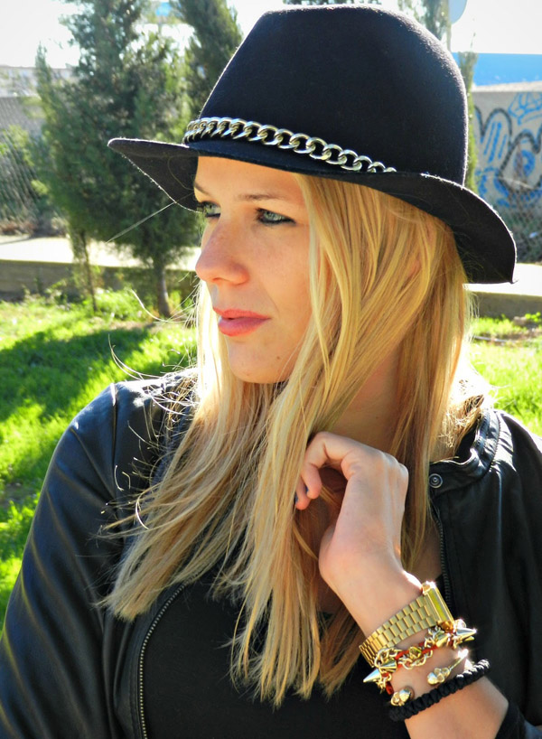Black komboskini bracelet in mistylobycris feature Army 1